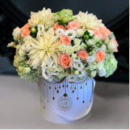 white_georgin_roses_premium_box
